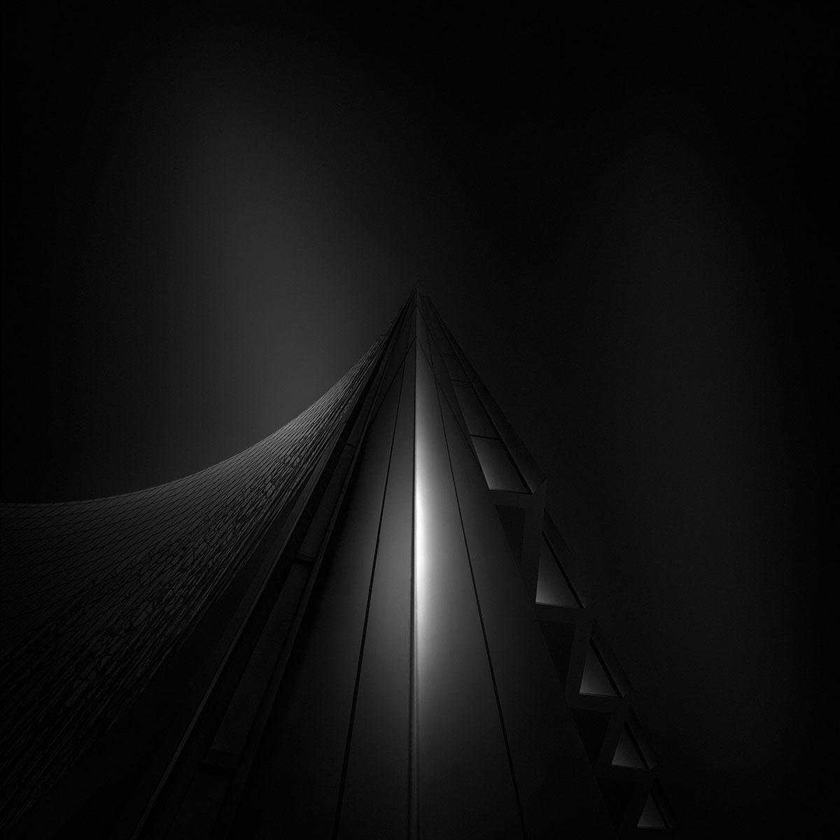 Ode to Black I - Self Black - Willis Tower London © Julia Anna Gospodarou
