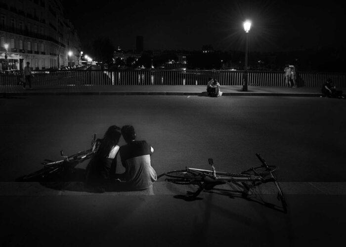 Nightly Love in Paris © Julia Anna Gospodarou - Fine Art Street Photography