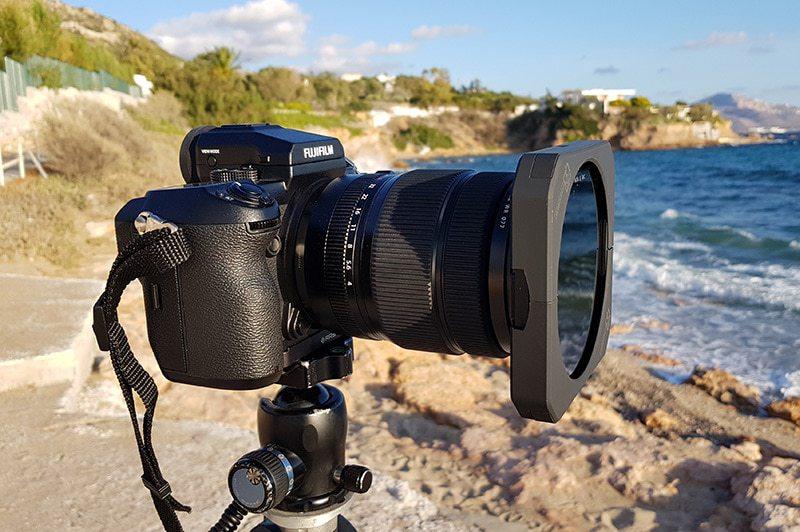 Fujifilm GFX 50S - Formatt-Hitech anti light leak filter holder - Lateral view
