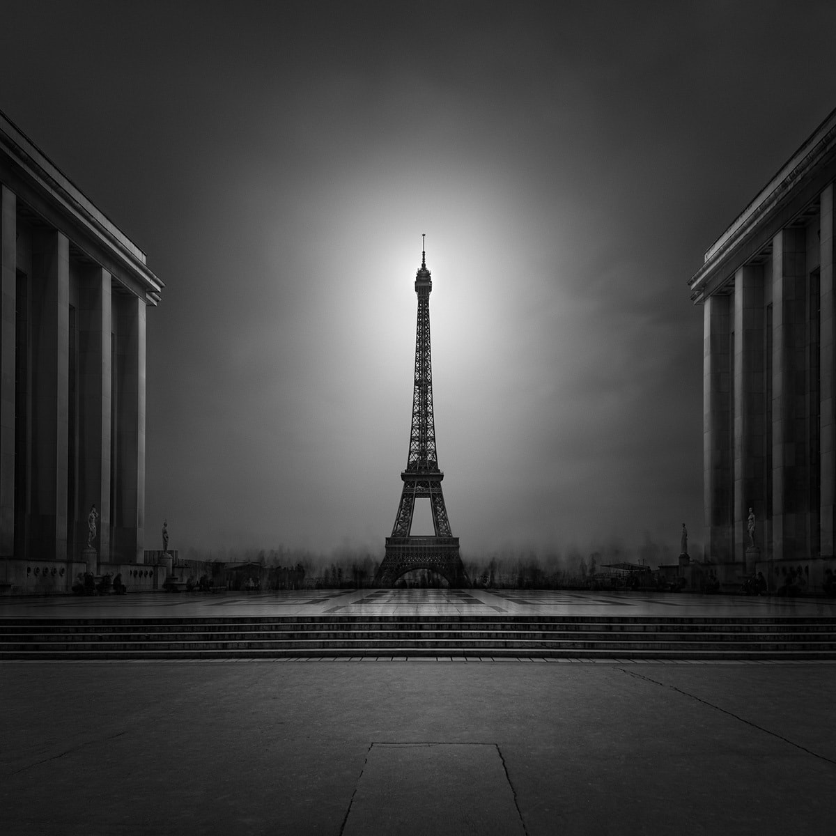 Enlightenment I - Eiffel Tower Trocadero © Julia Anna Gospodarou 2017 Extensive Long Exposure Photography Tutorial by Julia Anna Gospodarou