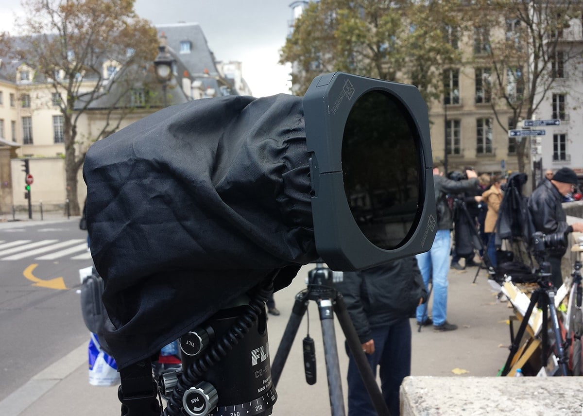 Camera cover to avoid light leak when shooting long exposure with tilt-shift lenses