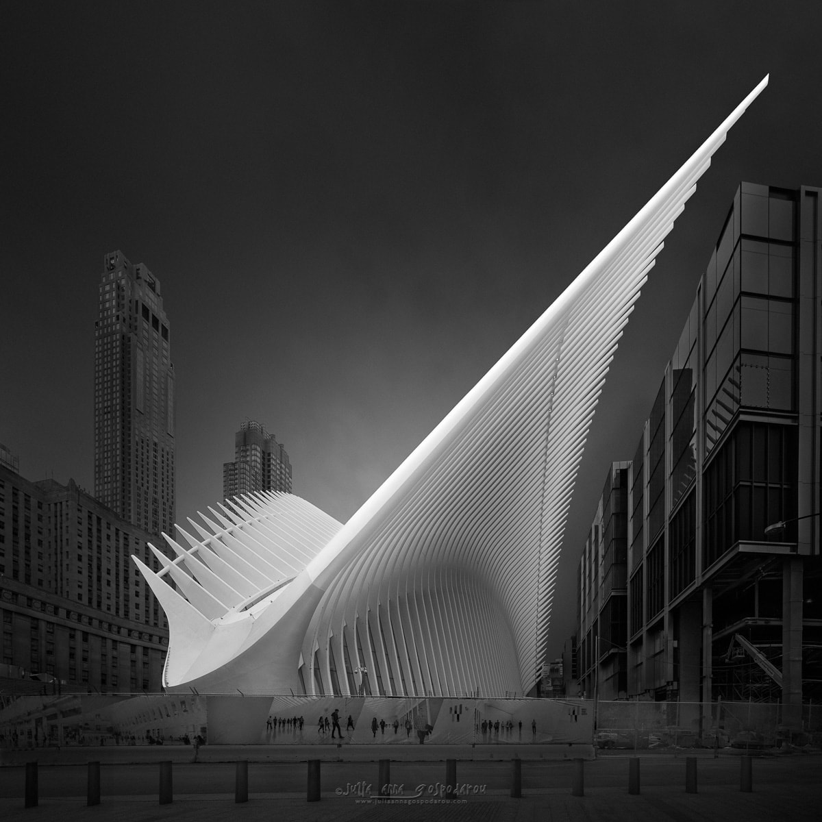Julia Anna Gospodarou - Flying Away IV - New York - long exposure photography in an urban environment