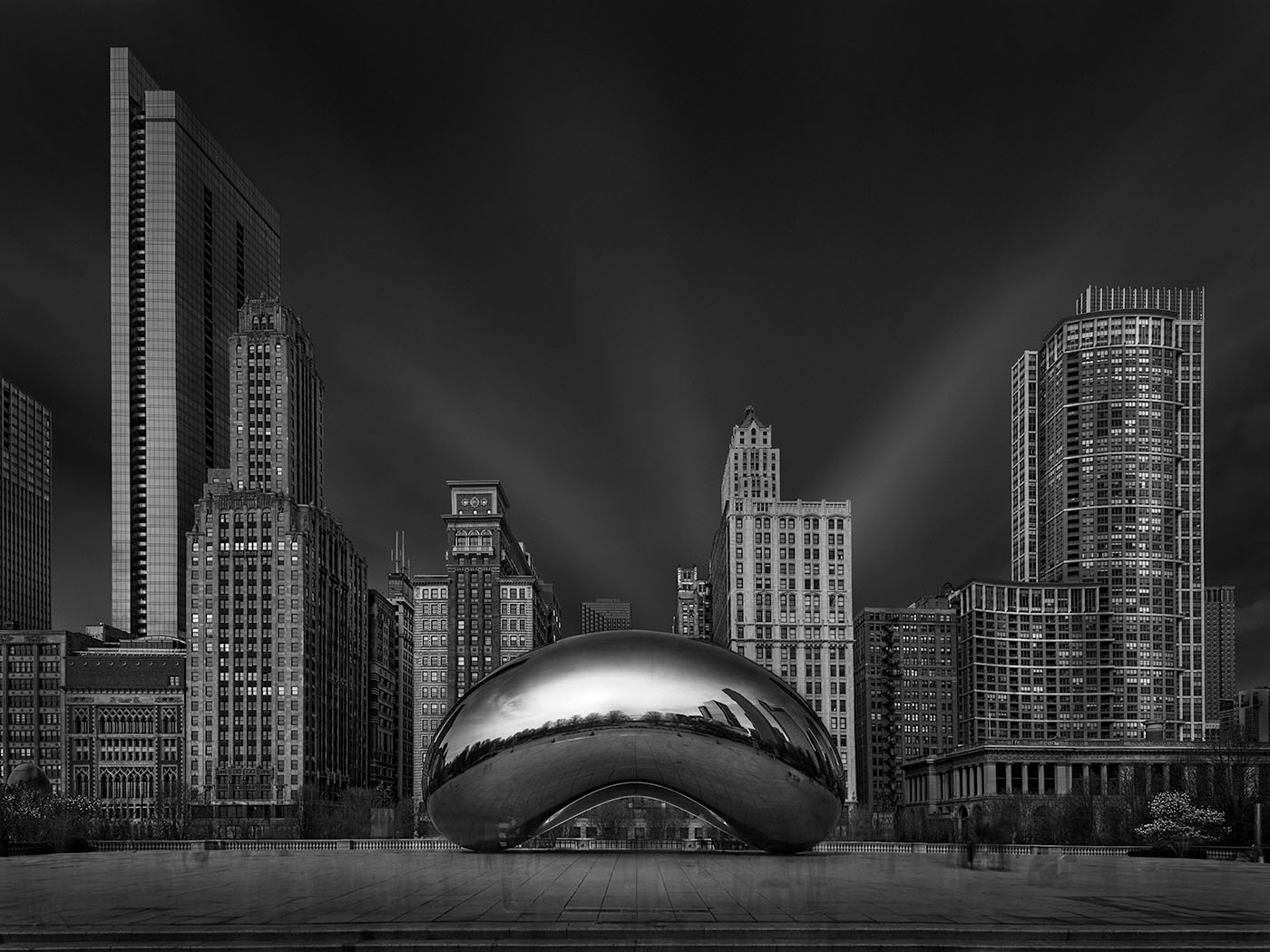 Julia Anna Gospodarou_Cloud Echo I - Cloud Gate Chicago - long exposure photography in an urban environment