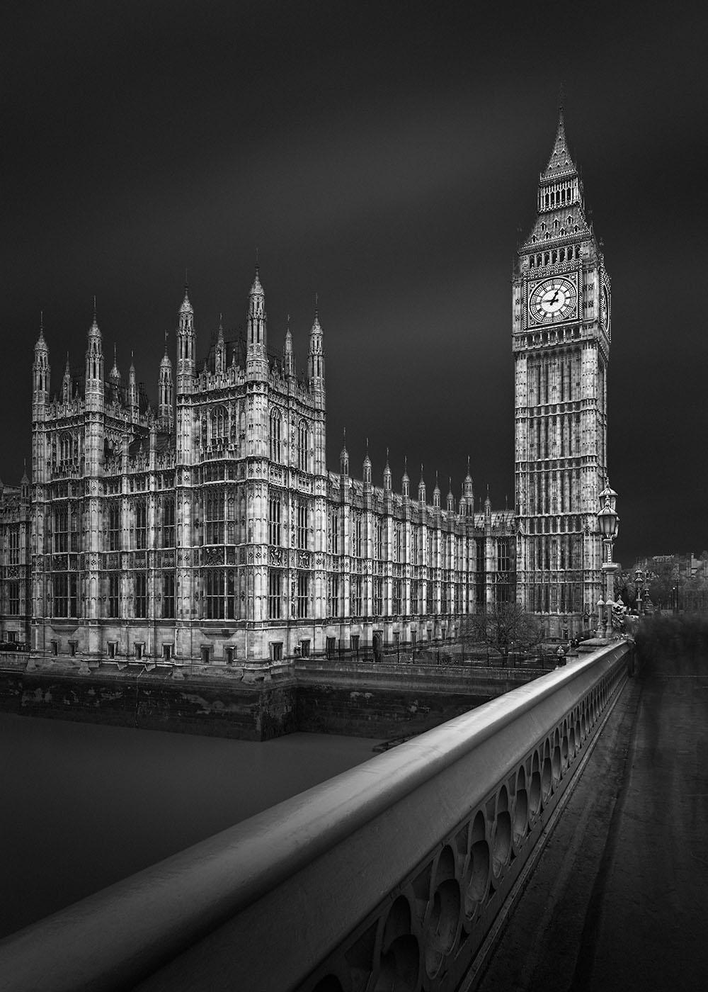 Path of Light I - London © Julia Anna Gospodarou 2020